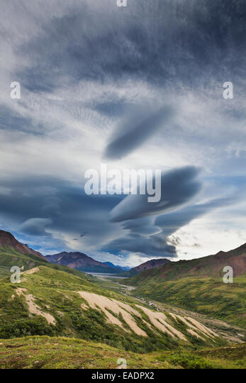 Road,Polychrome Pass,Denali Np,bizarre clouds - Stock Image