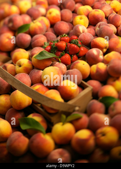 peach stand - Stock Image