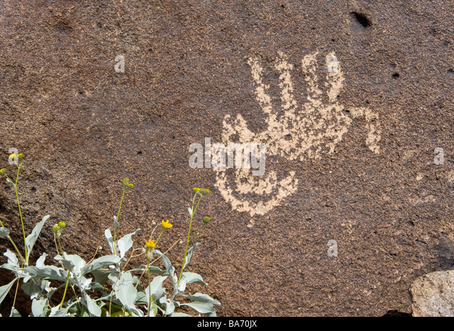 An ancient Hohokum Indian Petroglyph of an upside down bighorn sheep Perhaps this represented a successful hunt - Stock Image