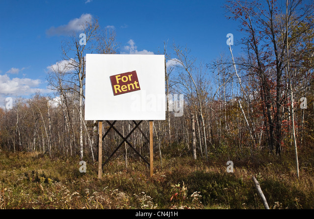 For rent sign in wilderness - Stock Image