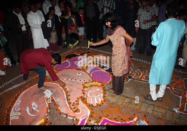 People traditionally celebrating Diwali festival in India. - Stock-Bilder