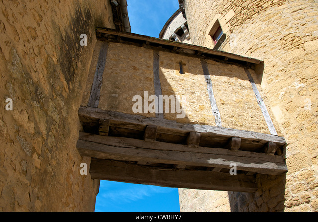 Medieval wattle and daub passageway crossing the Lists [Lices] of the Chateau de Fenelon, Dordogne, Aquitaine, France - Stock Image