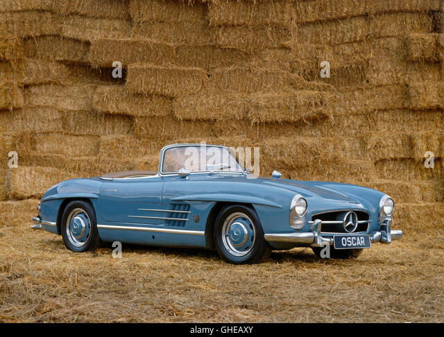 1962 Mercedes Benz 300SL Roadster 3 0 litre Inline 6 engine developing 250bhp Owned by Oscar Peterson Origin German - Stock Image
