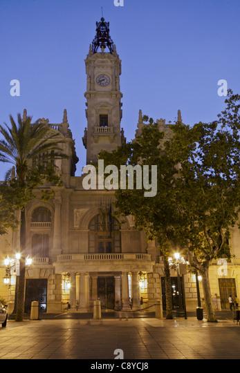 Plaza del Ayuntamiento, city hall at dusk, Valencia spain, - Stock-Bilder