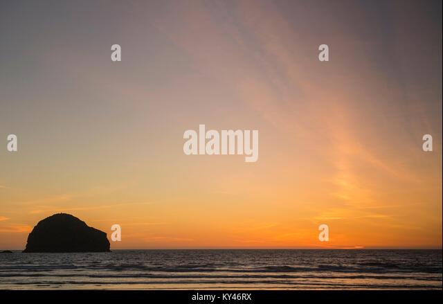 Sunset at Trebarwith Strand in Cornwall, England, UK - Stock Image