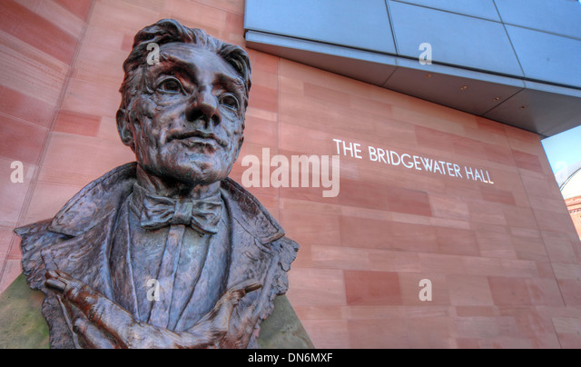 Sir John Barbirolli by Byron Howard Statue Bridgewater Hall international concert venue Manchester city centre England - Stock Image