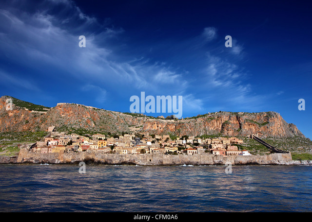 Impressive view of the medieval 'castletown' of Monemvasia from the sea, during a boatride. Lakonia, Peloponnese, - Stock Image