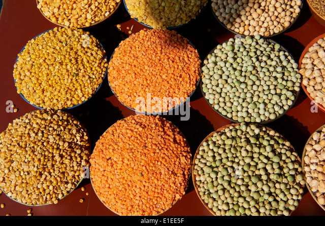 India, Kerala state, Calicut or kozhikode, market, dried lentils, peas or beans - Stock Image