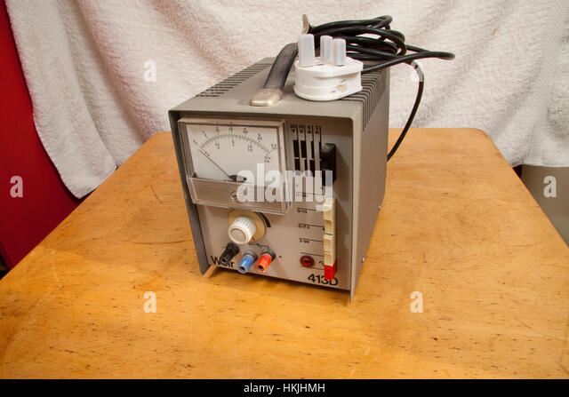 A 1980s Weir analogue/analog bench electrical power supply - Stock Image