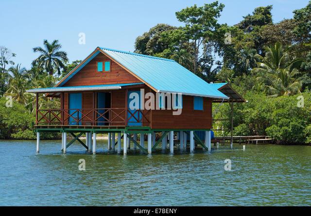 Caribbean sea house on stilts stock photos caribbean sea for Bungalows sobre el agua en mexico