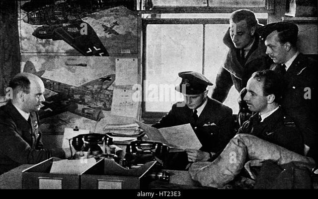 British military intelligence officers of World War II, 1943. Artist: Unknown. - Stock Image