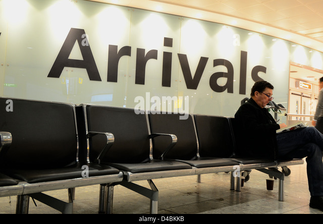 Arrivals Hall in Terminal three Heathrow airport - Stock-Bilder