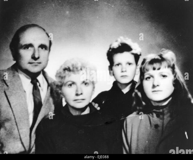 KLAUS BARBIE (1913-1991) SS office and Gestapo member with his family about 1970 - Stock-Bilder