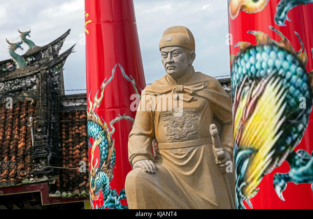statue-of-zheng-he-cheng-ho-at-the-tay-k