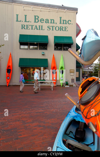 Maine Freeport Main Street Route 1 L. L. Bean shopping outdoor clothing fashion sports camping outside entrance - Stock Image
