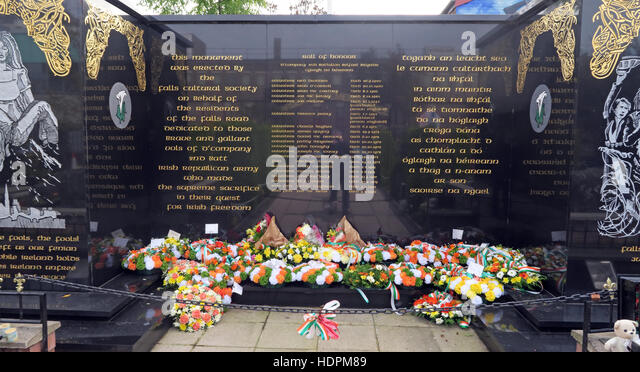 Flowers left in Irish colours, Falls rd,Garden of remembrance, IRA members killed,also deceased ex-prisoners,West - Stock Image