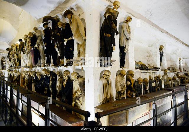 mummified-corpses-in-the-capuchin-cataco