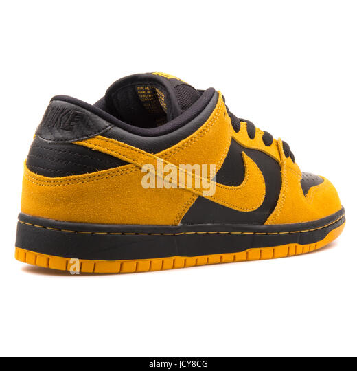 Nike Sb Dunk Low Pro Men S Skateboarding Shoe Yellow