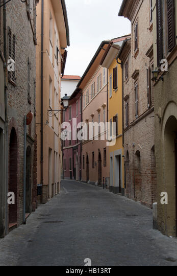 Narrow street in the ancient town of Tolentino - Stock Image