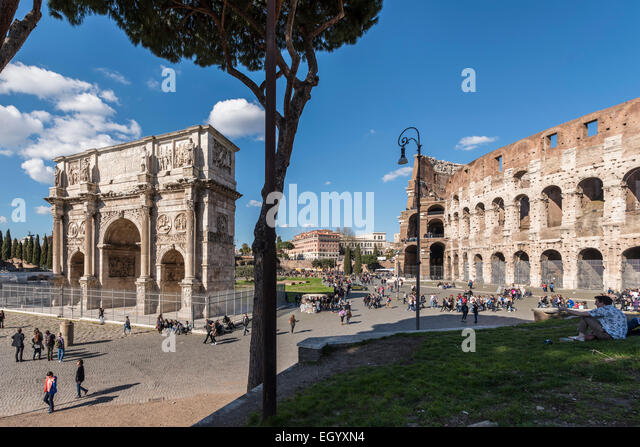 Rome. Italy. Arch of Constantine & the Colosseum, Piazza del Colosseo. - Stock Image