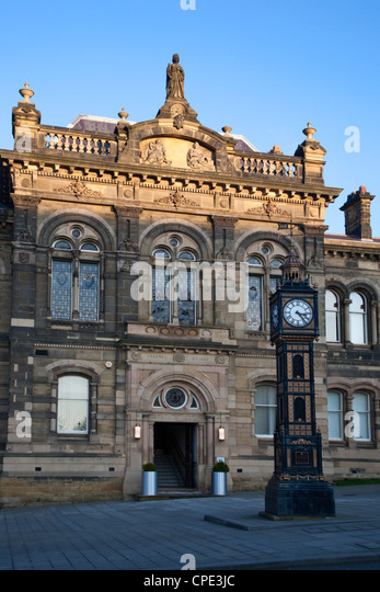 Old Town Hall, Gateshead, Tyne and Wear, England, United Kingdom, Europe - Stock Image