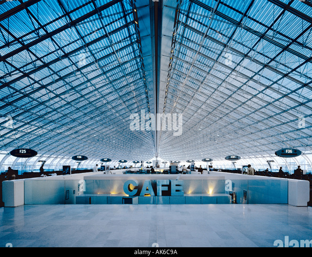 The F terminal gates at Charles de Gaulle CDG Airport in Roissy France Paris - Stock-Bilder