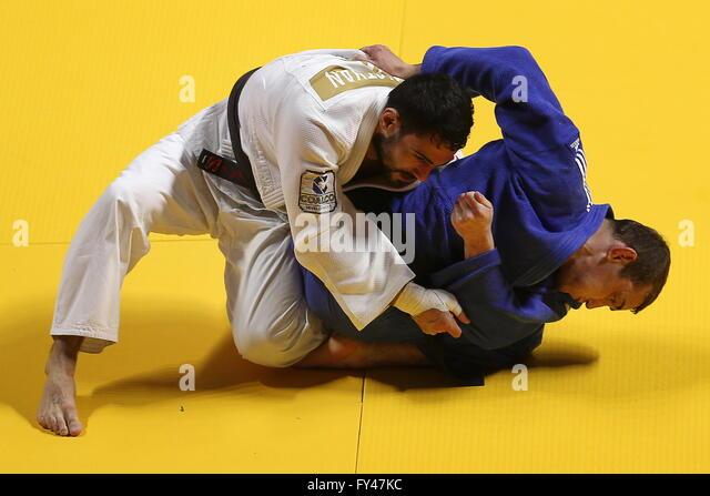 Kazan, Russia. 21st Apr, 2016. Russian judoka Arsen Galstyan (L) and Ukrainian judoka Gevorg Khachatrian compete - Stock-Bilder