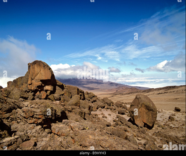Path to Mount Kilimanjaro, Kilimanjaro National Park, lava rocks, stratovolcano, Tanzania, East Africa - Stock-Bilder