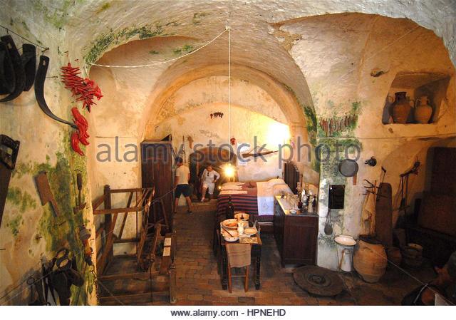 Vico solitario stock photos vico solitario stock images for Piccoli piani di casa storica