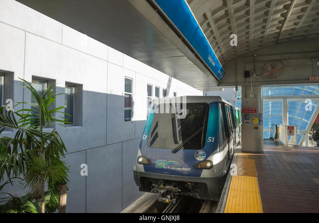 BAYSIDE STATION METROMOVER MONORAIL DOWNTOWN MIAMI FLORIDA USA - Stock Image