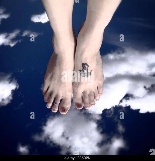 Walking on clouds - Stock-Bilder