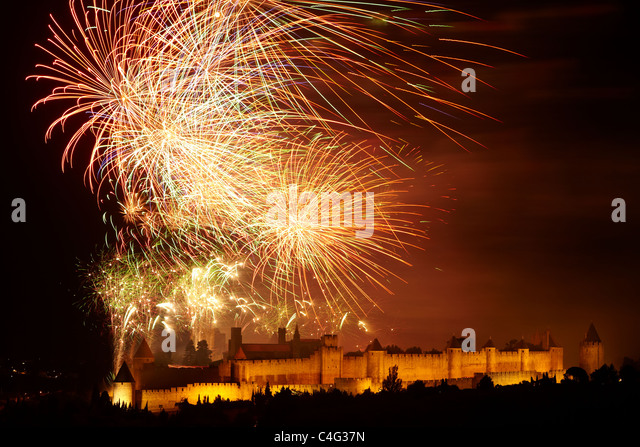 Bastille Day firework display over Carcassonne, Aude, Languedoc-Rousillon, France - Stock Image