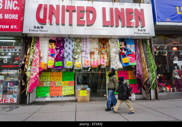 Mom and pop stores stock photos mom and pop stores stock for Brooklyn linen stores