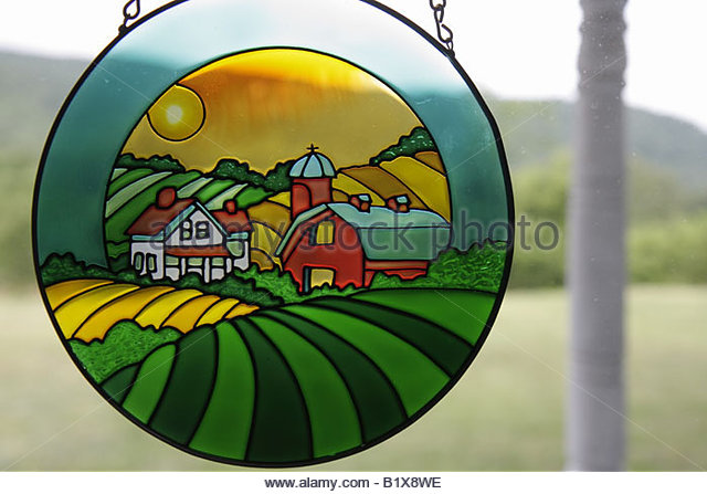 Arkansas Ozark Mountains Mountain View Country Oaks Bed and Breakfast stained glass window panel farm house and - Stock Image