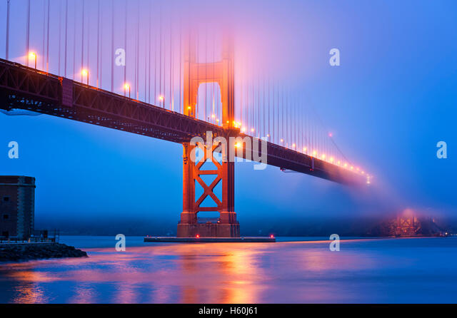 Golden Gate Bridge San Francisco at dusk - Stock Image
