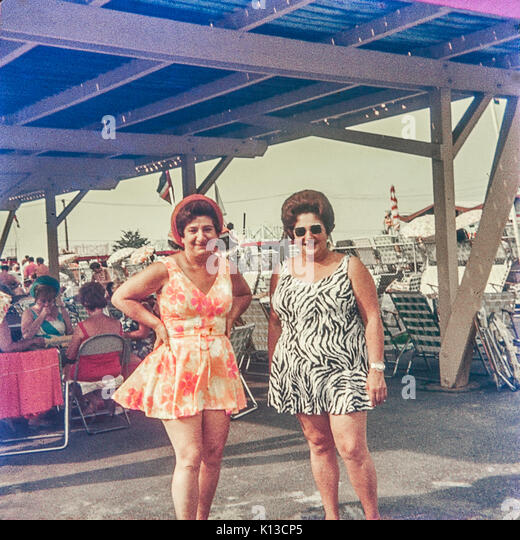 Summer fun at a beach club in the Queens borough of New York in 1973. (© Richard B. Levine) - Stock Image