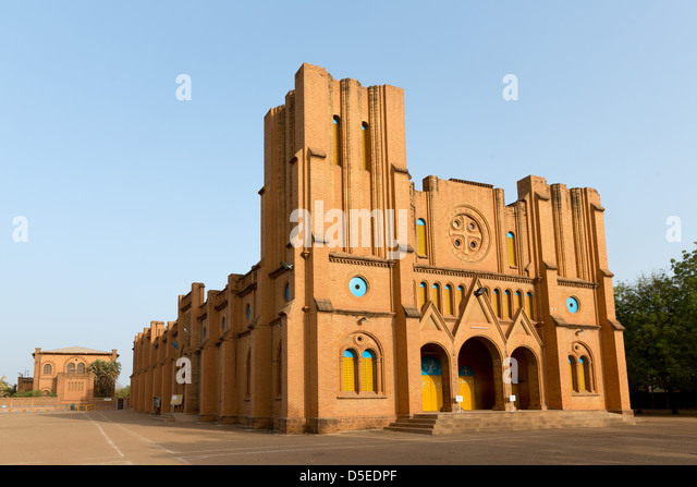 The Ouagadougou Cathedral built in the 1930s is one of the bigger Cathedrals in western Africa. Ouagadougou, Burkina - Stock-Bilder