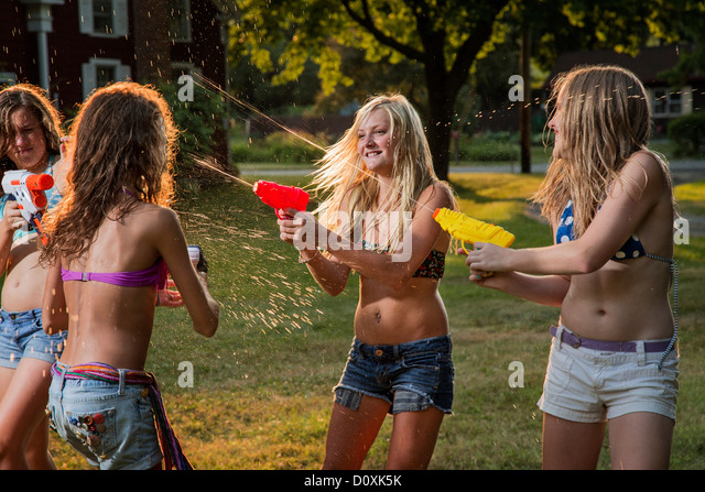 Ladies fight and squirt