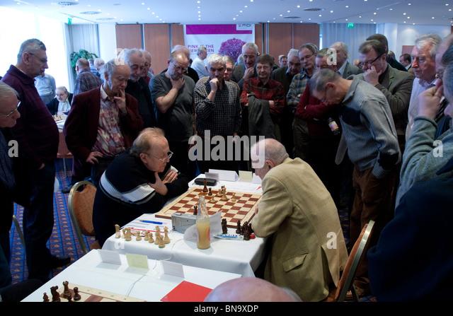 European Senior Team Tournament at Dresden, Germany. Round 4, Tschechkovsky v Korchnoi in the Russia v Switzerland - Stock Image
