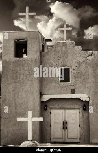 Santa Clara Pueblo Church. New Mexico - Stock-Bilder