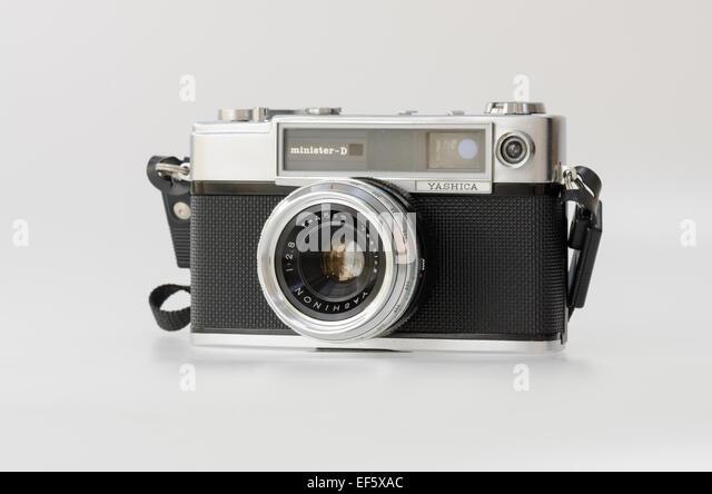 Yashica Minister-D 35mm film rangefinder camera - Stock Image