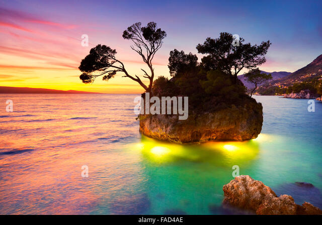 Croatia Coast, Makarska Riviera, Brela beach landscape at sunset, Croatia - Stock Image