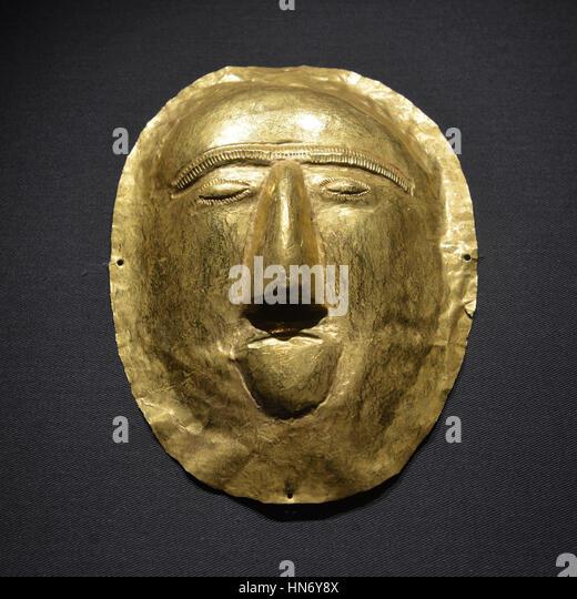 Funerary mask. Thaj, Tell al-Zayer. 1st century CE. Gold. National Museum, Riyadh. Saudi Arabia. - Stock Image