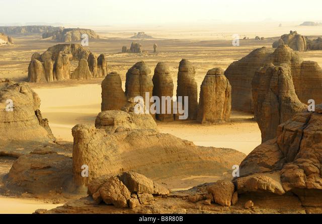 tors in desert landscape, Algeria - Stock Image