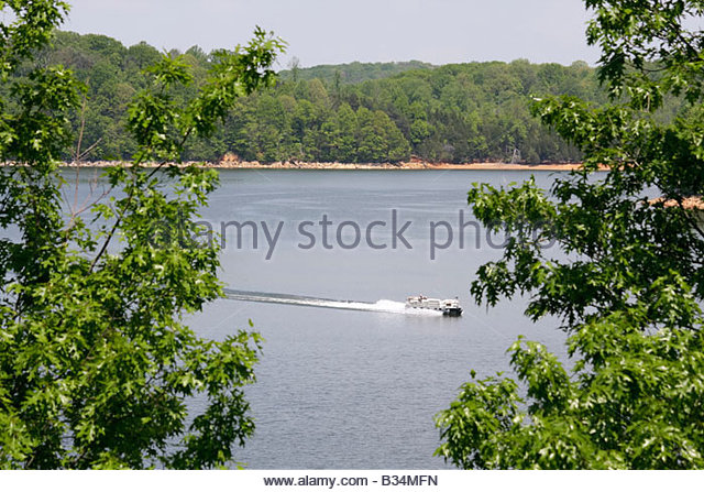 Tennessee Blountville Boone Lake Tennessee Valley Authority TVA pontoon boat water sport recreation vegetation trees - Stock Image