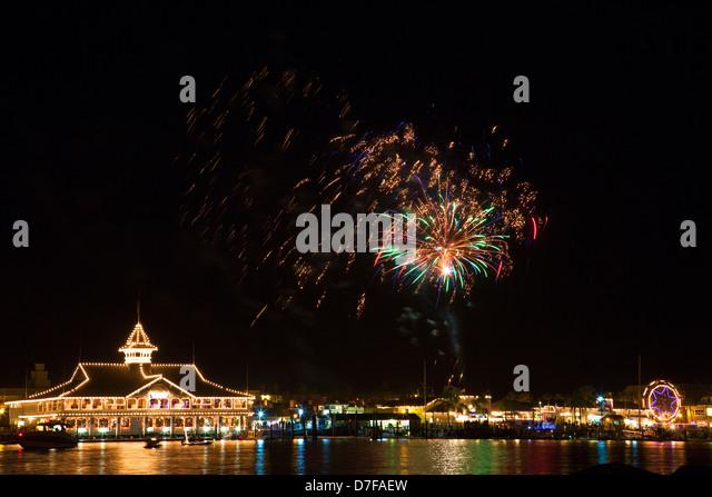 Balboa Island during the Christmas Boat Parade, Newport Beach, Orange County, California. - Stock Image