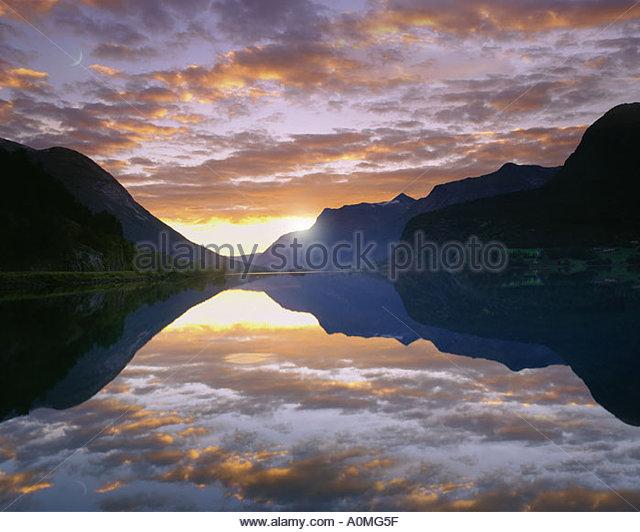 NO - SOGN OG FJORDANE: Lake Strynsvatn - Stock Image