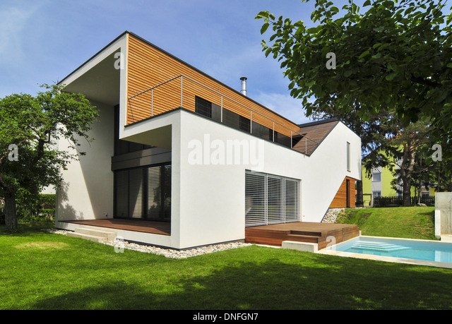 Wohnhaus Familie Troppmann, Einfamilienhaus, Haas Architektur, Swimming Pool, Holzbau, Holzhaus, moderne Architektur - Stock-Bilder