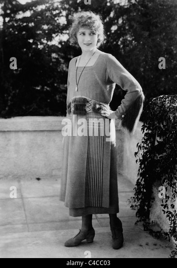 Vintage photo circa 1910s of Canadian-born film actress Mary Pickford (1892 - 1979). - Stock Image