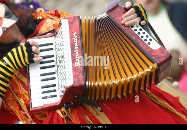 sweeps festival morris accordian player musician - Stock-Bilder